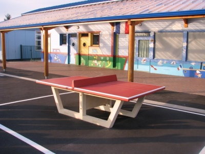 Table de ping pong rouge